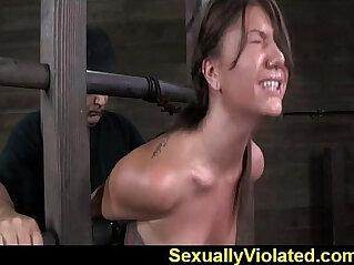 Bondage device makes her immobilized