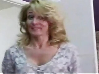 Old mother caught her son masturbating and fucked
