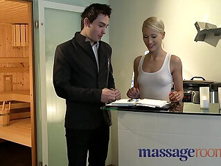 Massage Rooms Uma rims guy before squirting and pleasuring another