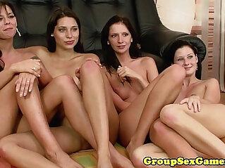 Simony Diamond in lesbian eating pussy
