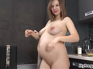Fingering Her Week Pregnant Pussy!