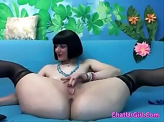 Milf spread her legs for U