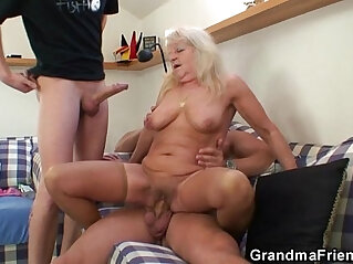 Hot 3some with hot blonde grandma