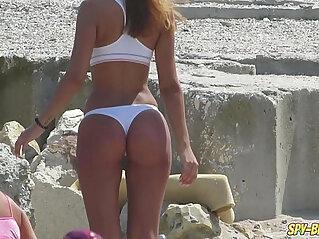 Hot Topless Amateur Teens Voyeur Beach Photo Session