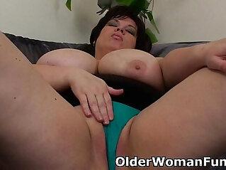 BBW mom having solo sex with dildo