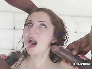 Sex dream comes true for Linda Love playing with four BBCs