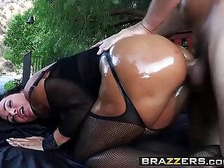 Big Wet Butts Wet Dream scene starring Lisa Ann and Manuel Ferrara