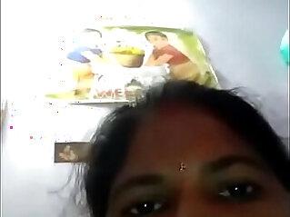 Desi telugu mom boobs pussy show self captured
